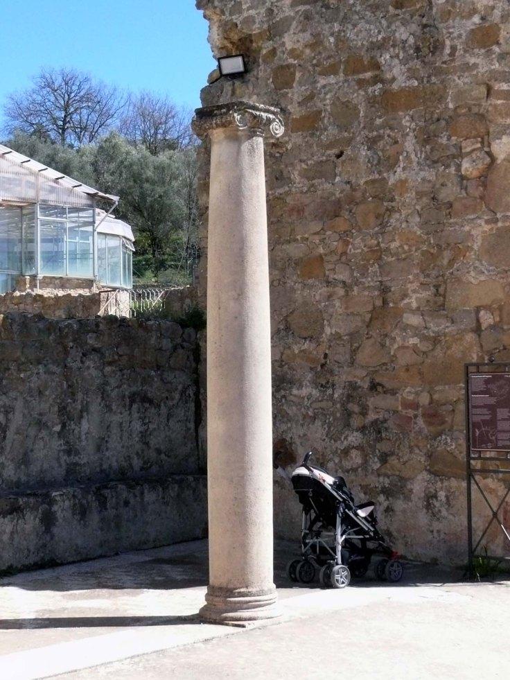 columna y cochecito